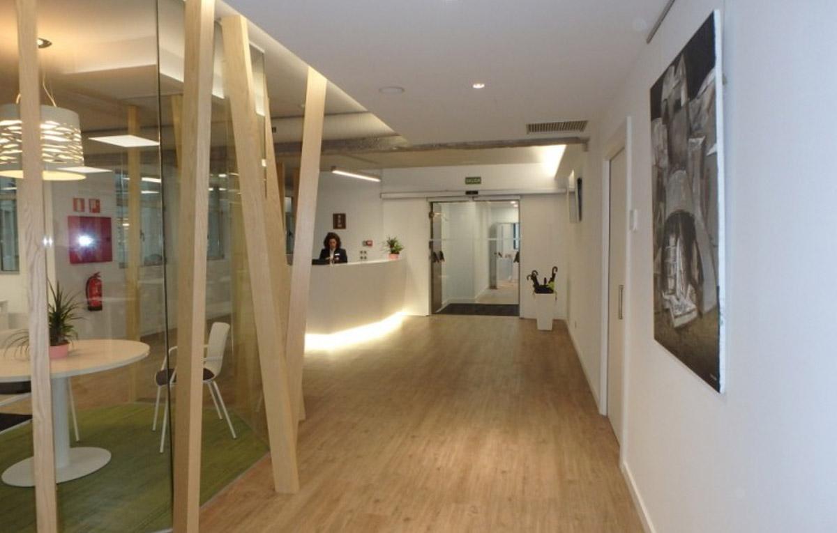 Cadena ser mobiliario de oficina en bilbao proyectos e for Mobiliario de oficina bilbao