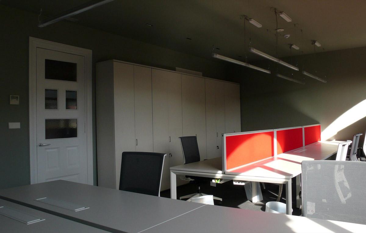 Entidad financiera mobiliario de oficina en bilbao for Mobiliario de oficina bilbao